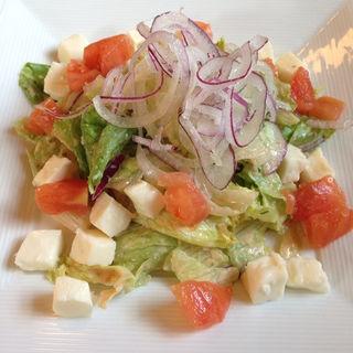 モッツァレラチーズとトマトのサラダ(ランチョ・エルパソ )
