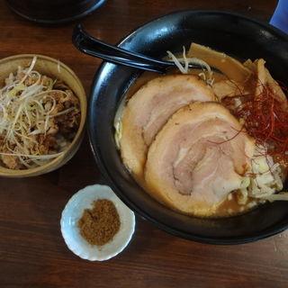 濃口醤油らーめん+ミニチャーシュー丼(ら麺はちに )