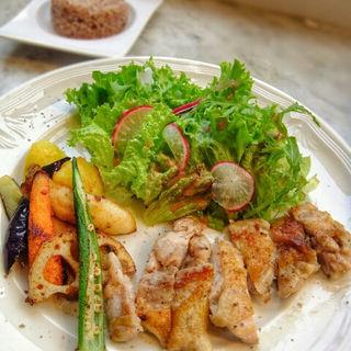いわい鶏のソテー(ル・カフェ・ド・エリソン (Le cafe de Herisson))