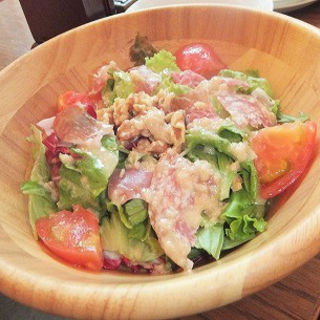 パルマ産プロシュートとイタリアンハムのサラダ(ルコックロティ (Le Coq Roti))