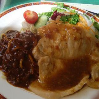 生姜焼きランチ(レストラン グリーンパーラー )