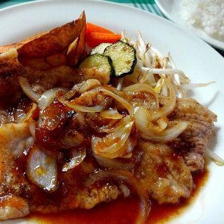 お肉ランチ ポーク生姜焼き(レストラン ミグロ)