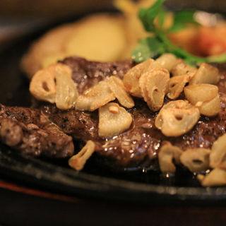 ガーリックステーキ(スープ、ミニサラダ、ライス付)(レストランくれそん )