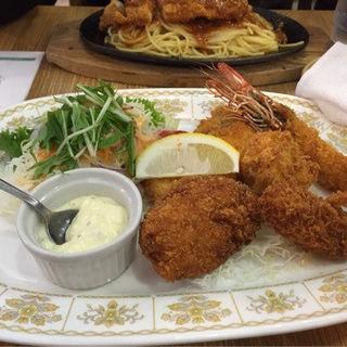 海鮮ミックスフライ(レストラン泉屋 本店 )