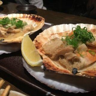 ホタテのバター焼き(三ノ宮高架下市場 )