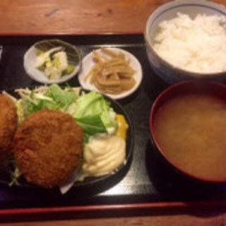 ジューシー! メンチカツ定食(三惚)