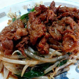 牛肉炒(三栄ラーメン )