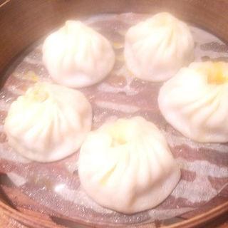 上海蟹味噌小籠包(上海豫園 小龍包館)