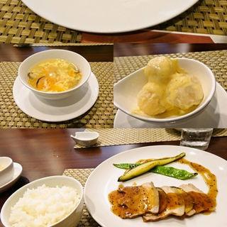 醤油ラーメン (中国 懐石 料理 「雅」)
