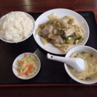 豚肉とザーサイとたけのこ炒め(中国家常料理 新洪記)