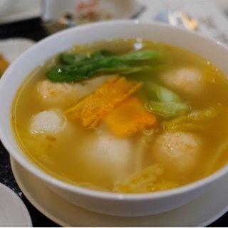 イカ団子と海老団子の XO 醤スープ(中国料理 翡翠宮 (ヒスイキュウ))