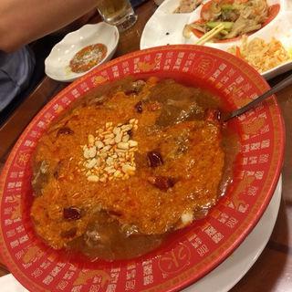 牛肉の四川風煮込み(玉子麺付き)(中国食府 双龍居 天満駅前店 )