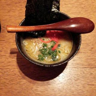 本場長浜ラーメン(串焼きうまか市場 まるし 本八幡店)