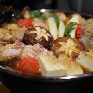 薩摩地鶏の濃厚すき焼き鍋(九州薩摩地鶏の個室居酒屋 九遠 赤坂本店)
