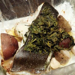 フランス ブルターニュ産平目緑茶の香りと包み焼きに(俺のフレンチ TOKYO )