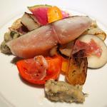 炭火で炙ったサワラ 冬野菜サラダ仕立て