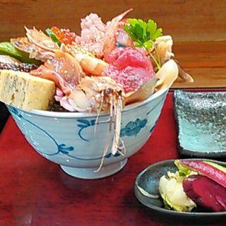 海鮮丼(20種)(割烹 秀月 )