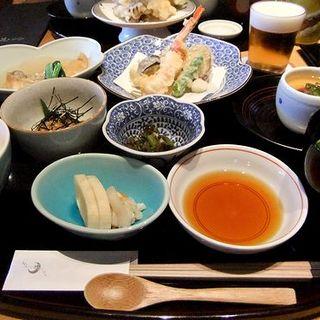 蟹と野菜の天ぷら、鱈とカブラのあっさり煮御膳(加賀屋 博多店)