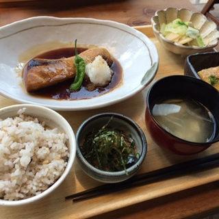 ブリの照り焼き定食(博多ほたる 銀座店 )