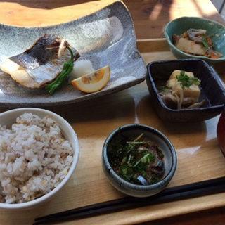 鰆の塩焼き定食(博多ほたる 銀座店 )