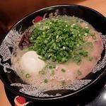 トンコツラーメン(博多一幸舎 中洲店 (いっこうしゃ))
