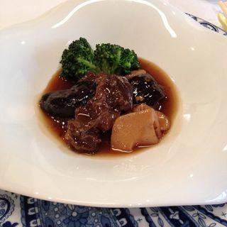 ランチコース 牛ホホ肉とお野菜のピリ辛煮込み(古月 (コゲツ))