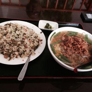 高菜チャーハンと台湾塩ラーメン