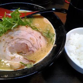 みそたつらぁ麺とライス(中)のセット(味噌之達人 三国店 )