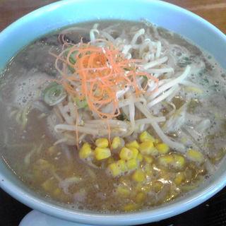 味噌ラーメン(味美 藤田屋 湯沢店 (黒豚と比内鶏を飼育するラーメン屋))
