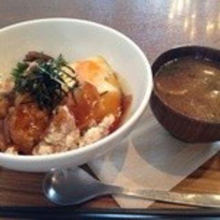 鶏竜田あまから丼(和カフェ yusoshi 町田 (ユソーシ))