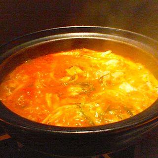トマト鍋(和洋折衷料理店「獏」 (ばく))