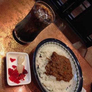 ドライカレー&アイスコーヒー(喫茶 ビクター )