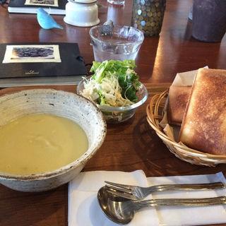 チーズキーマカレーのHOTサンド&さつまいものポタージュ(坂東珈琲)