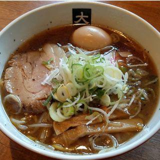 醤油らーめん+煮たまご(大島)
