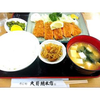 シャケフライ定食(大菊 總本店 (おおぎく))