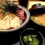日替わり丼(ご飯大盛り、ハマチとスズキ)(天下の台所大起水産なんばCITY店)