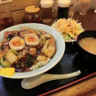 豚バラ煮込み丼(天下一 )