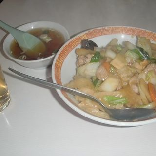 肉炒め丼(天竜)