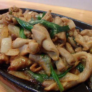 ホルモンピリ辛炒め定食(定食の店 まる )