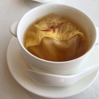 フカヒレ入りスープ餃子(家全七福酒家 名古屋店)