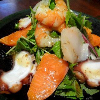 海鮮サラダ(小料理荒井 渡田店)