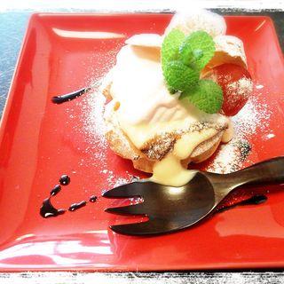 トマトのシュークリーム(小柴屋 (こしばや))