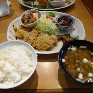 日替わり定食(小池寿司食堂)