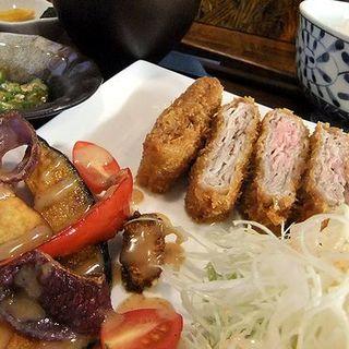 ハーブ豚の重ねカツ(居酒屋 となん)