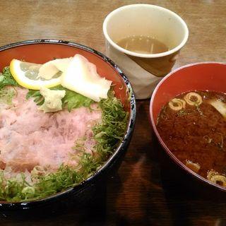 ネギトロ丼(屯舎)
