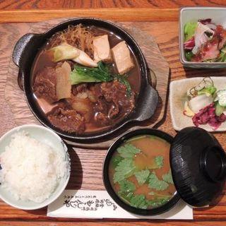 猪小鍋定食A(猪小鍋ご飯お味噌汁お新香小鉢)(山くじら すき焼 ももんじや )