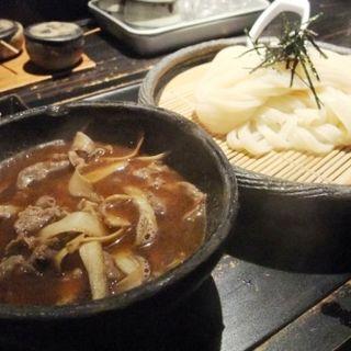 牛とゴボウのつけ麺(山元麺蔵 (やまもとめんぞう))