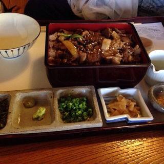 牛ロース(山茶林泉 (さざんりんせん))