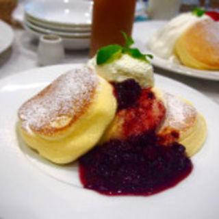 濃厚チーズムースパンケーキ(幸せのパンケーキ 表参道店 (マジアディファリーナ))