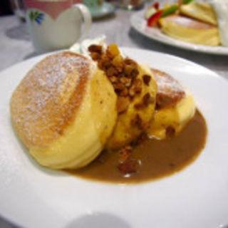 紅茶ミルクのパンケーキ(幸せのパンケーキ 表参道店 (マジアディファリーナ))